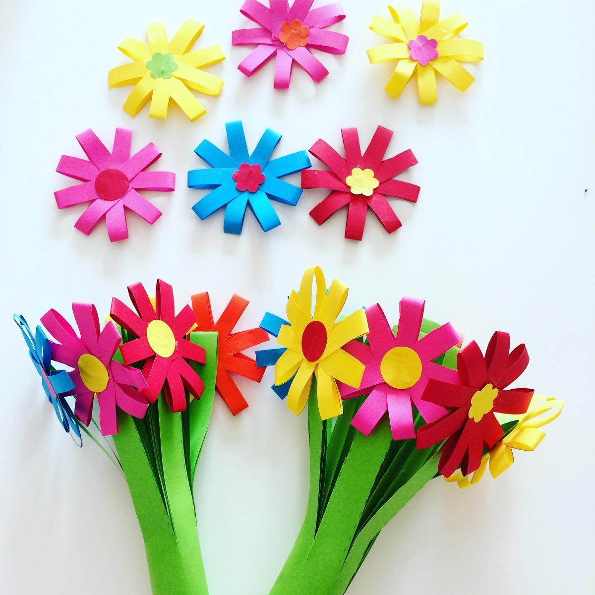 DIY : un joli bouquet de fleurs en papier pour Maman…
