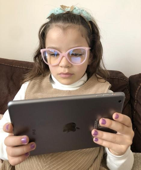 Protéger les yeux de vos enfants avec des lunettes anti-lumière bleue 40289e8aa2f3